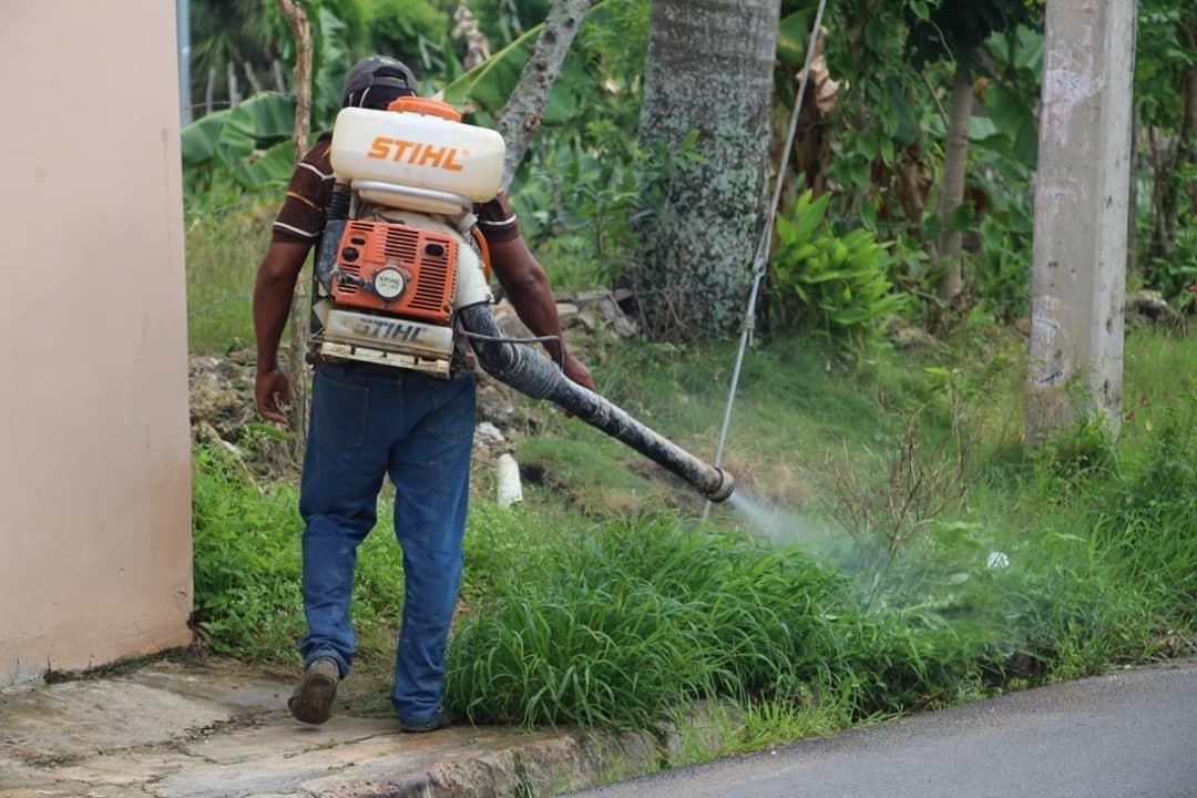 El Ayuntamiento de Higüey  realiza un operativo de fumigación