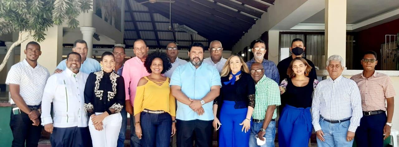 El Alcalde Rafael Barón Duluc, se reúne con el Colegio Dominicano de Periodistas CDP filial la Altagracia.